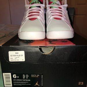 Size 6 gs Jordan 7s